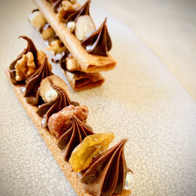mille feuilles de gaufrettes chcolat ganache fruits secs photo film stylisme culinaire recette food style rhone lyon