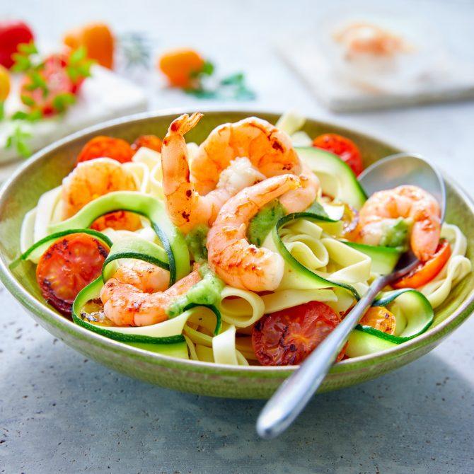 tomates crevettes tagliatelle courgette photo film stylisme culinaire recette food style rhone lyon